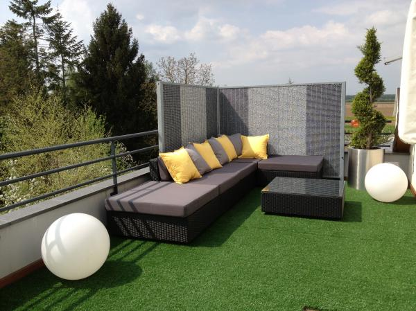 de v ritables pi ces vivre outdoor. Black Bedroom Furniture Sets. Home Design Ideas